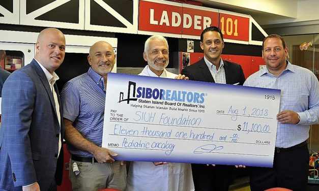 Staten Island Realtors' Golf Event  Raises $22,200 for Children with Cancer